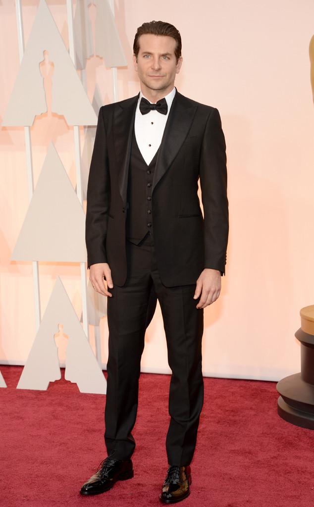 Bradley Cooper, de Sniper Americano, veste Ferragamo