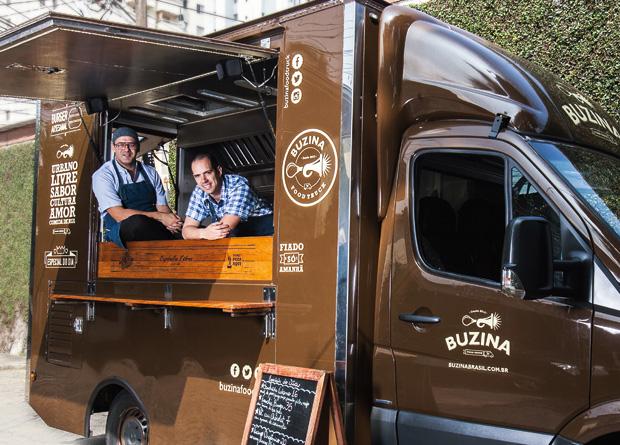 Os sócios do Buzina: comida de qualidade na rua (Foto: Mário Rodrigues)