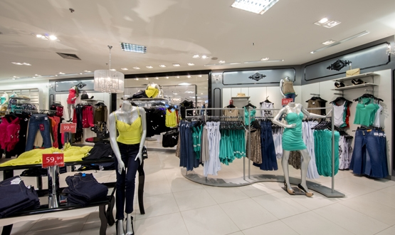 Rede de lojas de departamentos de vestuário