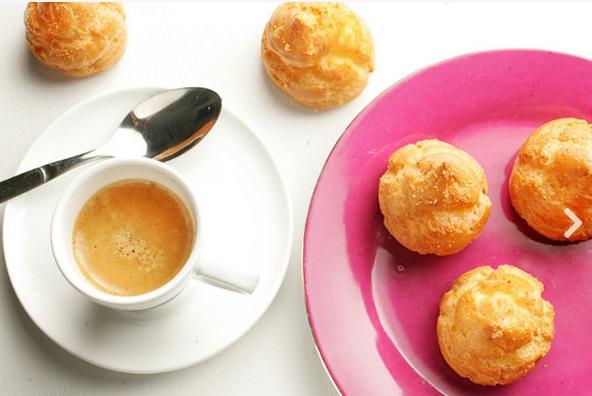 Éclair Moi Paris: pão feito com queijo parmesão (Foto: Fernando Moraes)