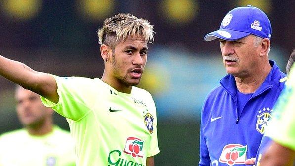 Neymar e suas madeixas loiras (Gaspar Nóbrega/VIPCOMM)