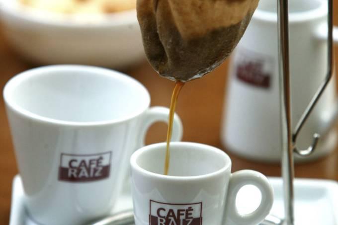 cafe-raiz-coador-mario-rodrigues