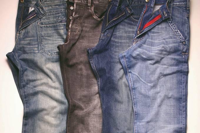 Data da foto: 2004Calças jeans da Zoomp, Diesel, Ellus e Energie.