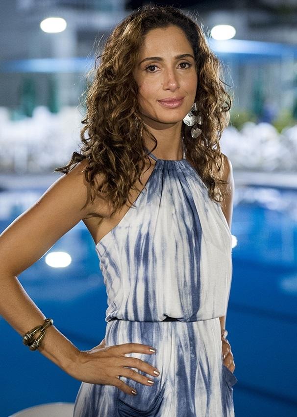 A atriz Camila Pitanga vai mostrar looks (Foto: Reprodução)