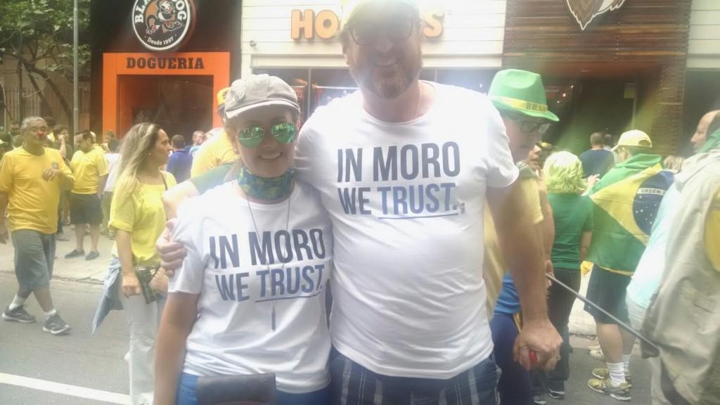 camiseta-moro