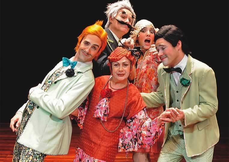 Cadu de Souza, João Bourbonnais, Bárbara Bonnie, Leonardo Santiago e Lourdes Gigliotti no musical Canção de Amor em Rosa