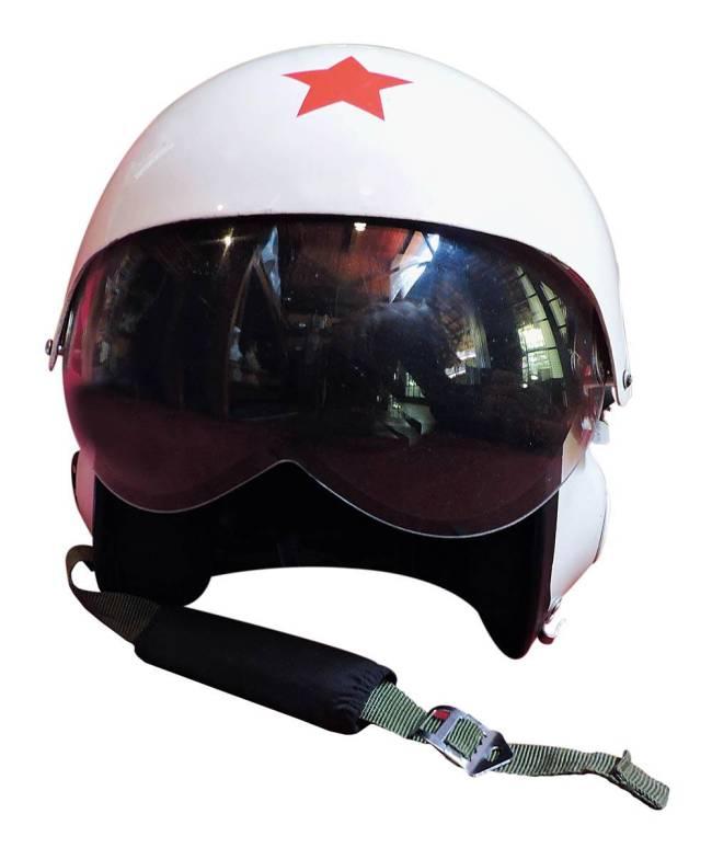 Capacete de pilotos de caça da ex-União Soviética