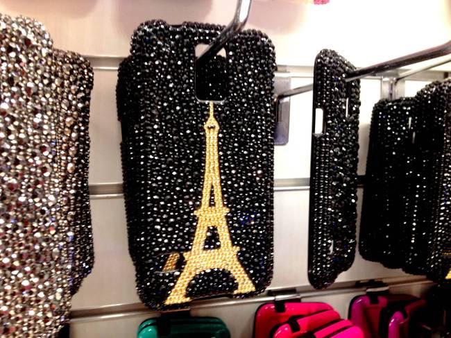 Capinhas Celular Torre Eiffel 25 de Março