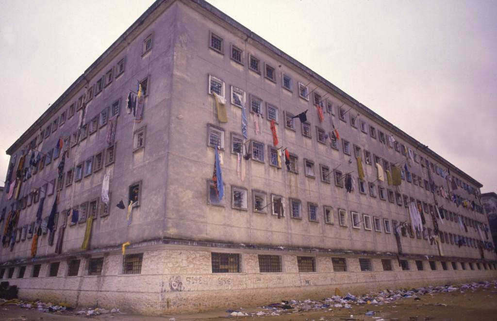 Data da foto: 10/1992 Pavilhão 9, onde ocorreu o Massacre do Carandiru (Foto: Antônio Milena)