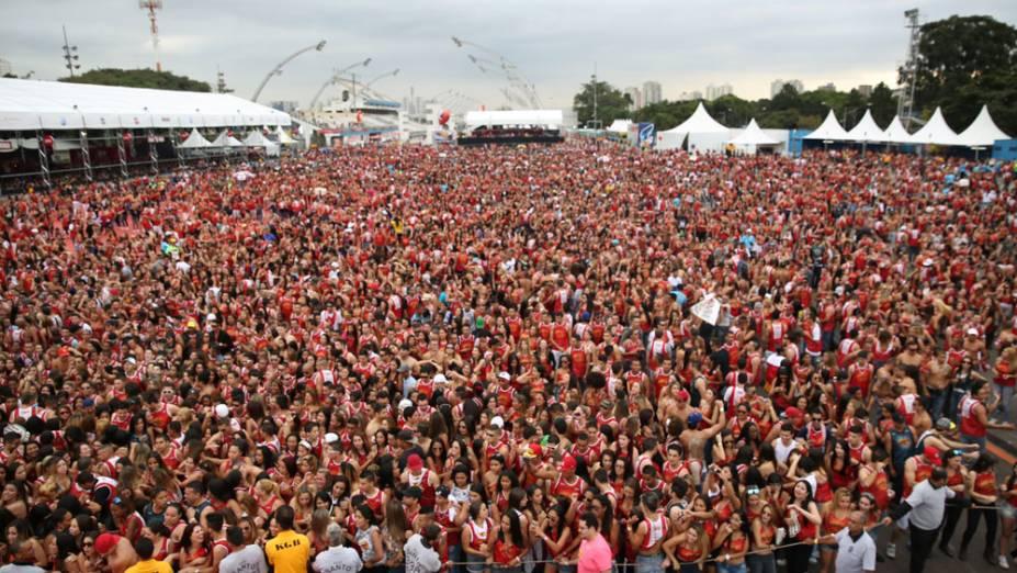 Carnafacul 2013: 40 000 pessoas no Sambódromo do Anhembi