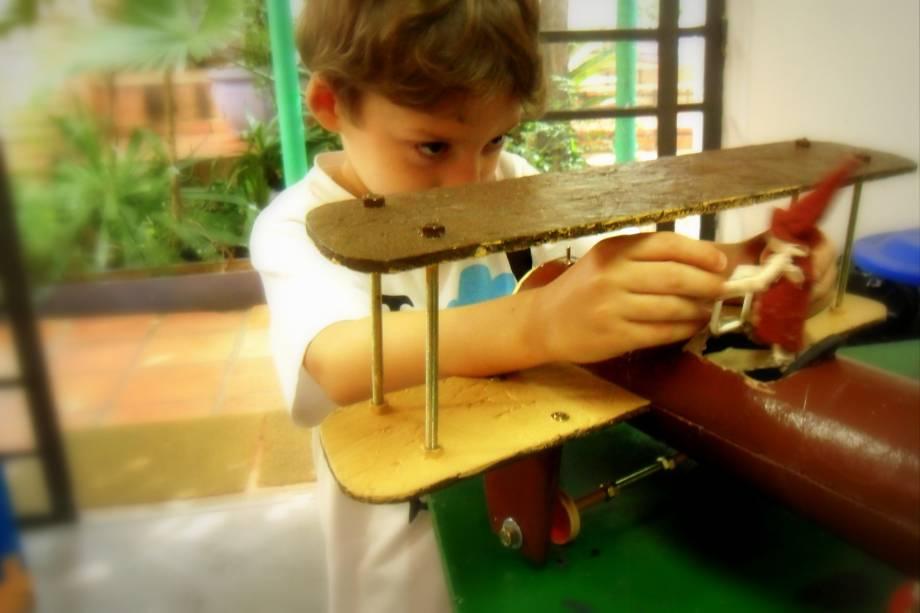 Casa das Ideias: aulas incentivam crianças a criarem engenhocas