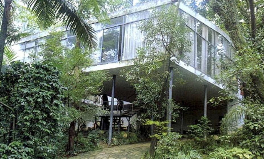 Casa de Vidro, residência de Lina Bo Bardi no Real Parque