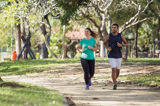 O casal que deu certo: Rafael perdeu 11 quilos, e Natalia eliminou 30 quilos (Foto: divulgação)