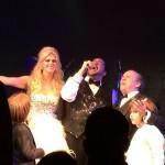 O casal mandou trazer Thiago Abravanel de Nova York para cantar na cerimônia (Foto: João Batista Jr.)