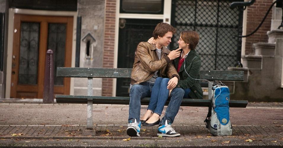 A famosa cena do filme onde os personagens estão sentados no banco