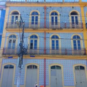 Os azulejos portugueses na fachada da futura cervejaria Cabôca: patrimônio preservado. (Foto: Divulgação)