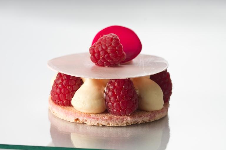 Torta de framboesa frescas: doces franceses em novas versões (Fotos: divulgação)
