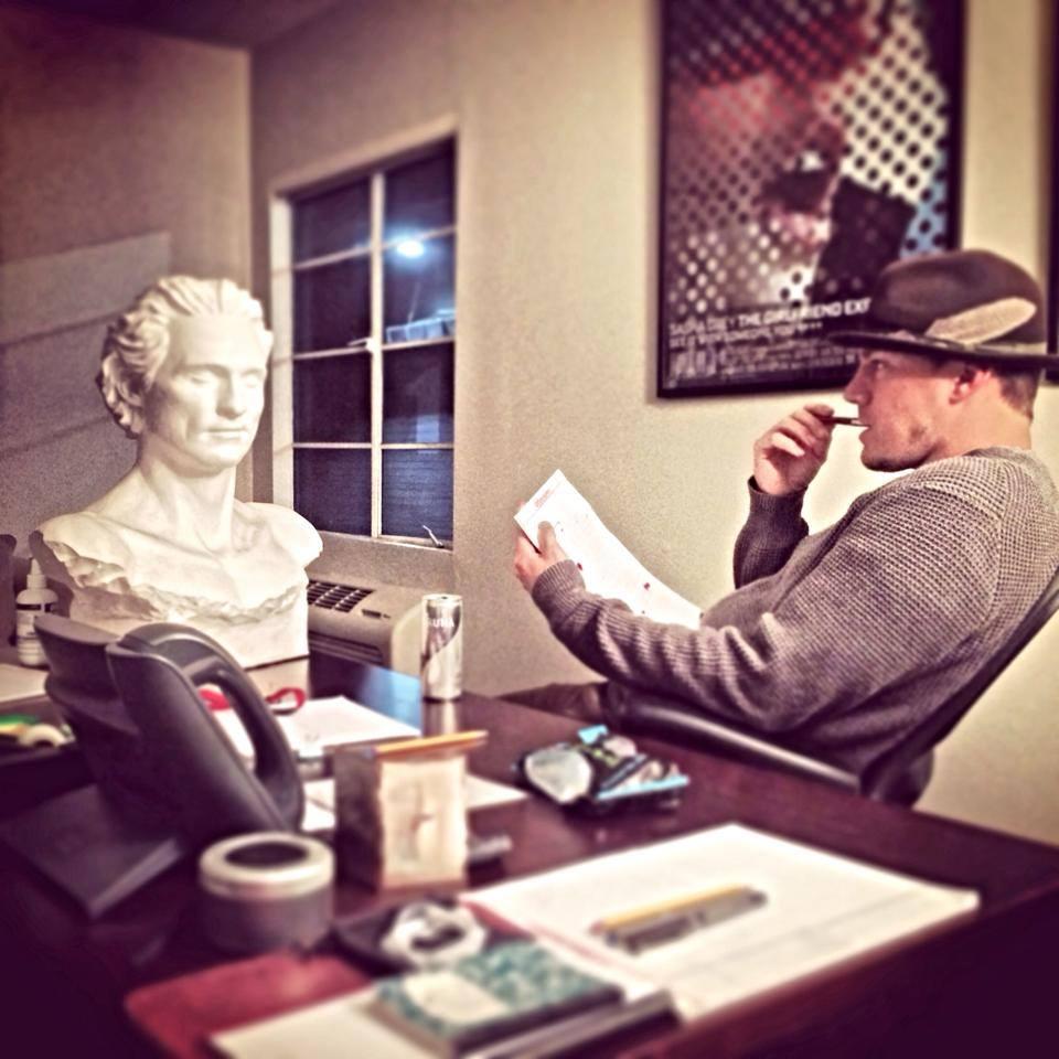 """Foto que Tatum postou no Twitter: """"Qual o melhor jeito de começar a escrever Magic Mike com meu amigo Dallas?"""""""