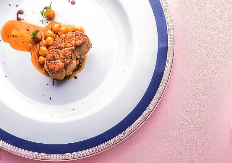 Especialidade do francês Chef Rouge, cinco estrelas máximas de VEJA SÃO PAULO: com grão-de-bico (Foto: Mario Rodrigues)