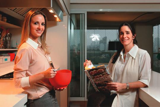 """Patricia (à esq.) e Mayra: """"As cozinheiras estão em extinção"""" (Foto: Fernando Moraes)"""