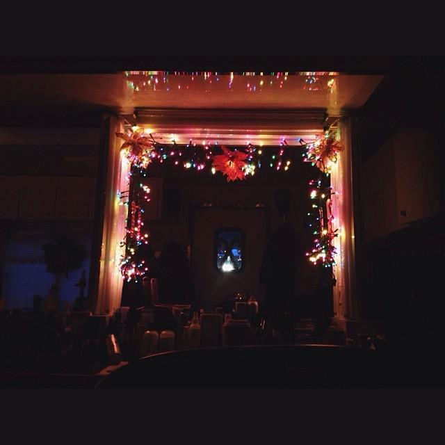 Chloë Grace Moretz, a Carrie do filme de terror, fez uma foto ontem à noite
