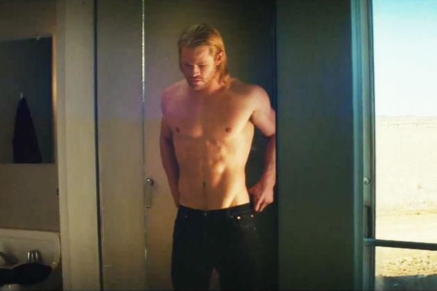 Chris Hemsworth em Thor - O Mundo Sombrio