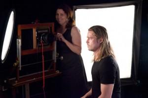 Brad Pitt, posando para Chuck Close