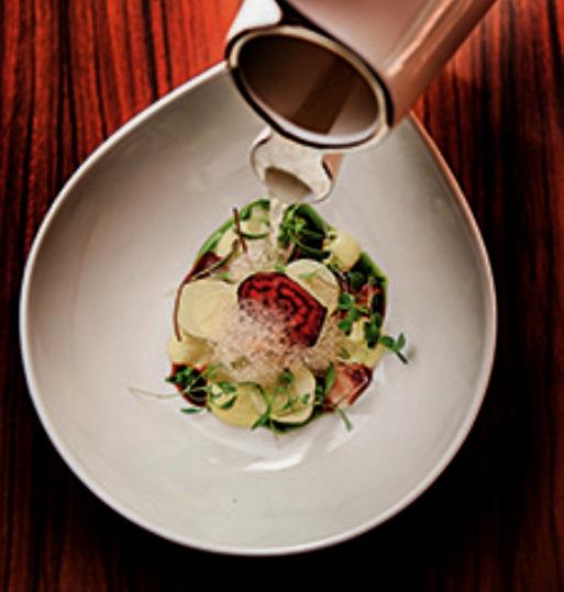 Salada brasileira: prato de abertura do menu especial em nove etapas