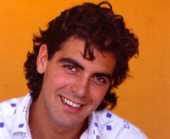 George Clooney devia ter este visual quando vendia sapatos