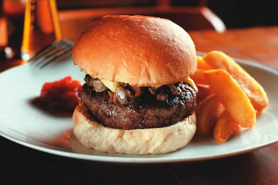 Hambúrguer de fraldinha, gorgonzola e cogumelos