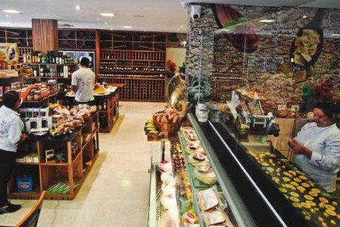Casa Rovigo: além de massas, a rotisseria faz a musse mais barata dessa lista, por R$ 9,00 (Foto: Mario Rodrigues)