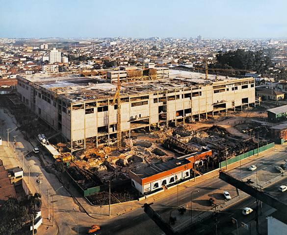 construção shopping Ibirapuera 1975