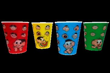 Jogo de quatro copos. R$ 35,00.