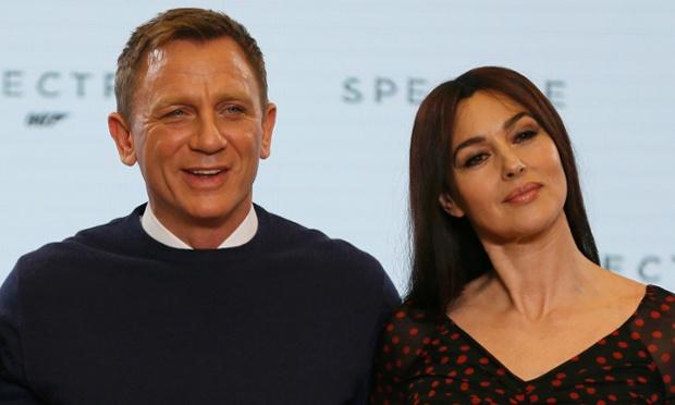 Daniel Craig e Monica Bellucci na apresentação do elenco à imprensa