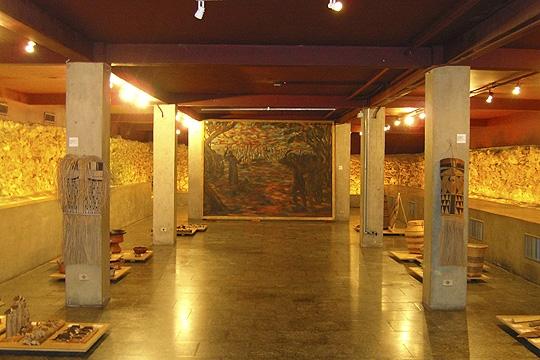 Cripta no subsolo do Museu Anchieta, no Pátio do Colégio