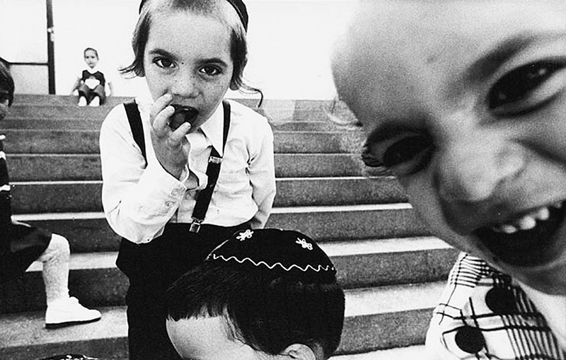 Crianças judias no entorno da Pinacoteca: primeiras imagens a integrar o acervo do museu
