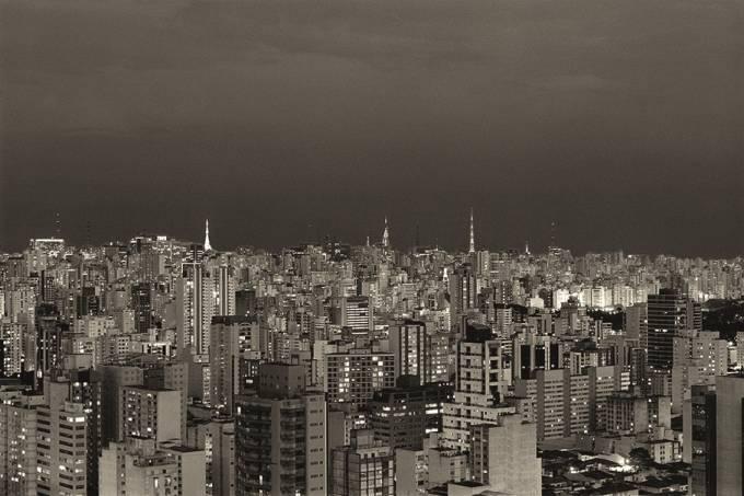 Cristiano Mascaro – São Paulo à noite vista do alto (Feira Parte)