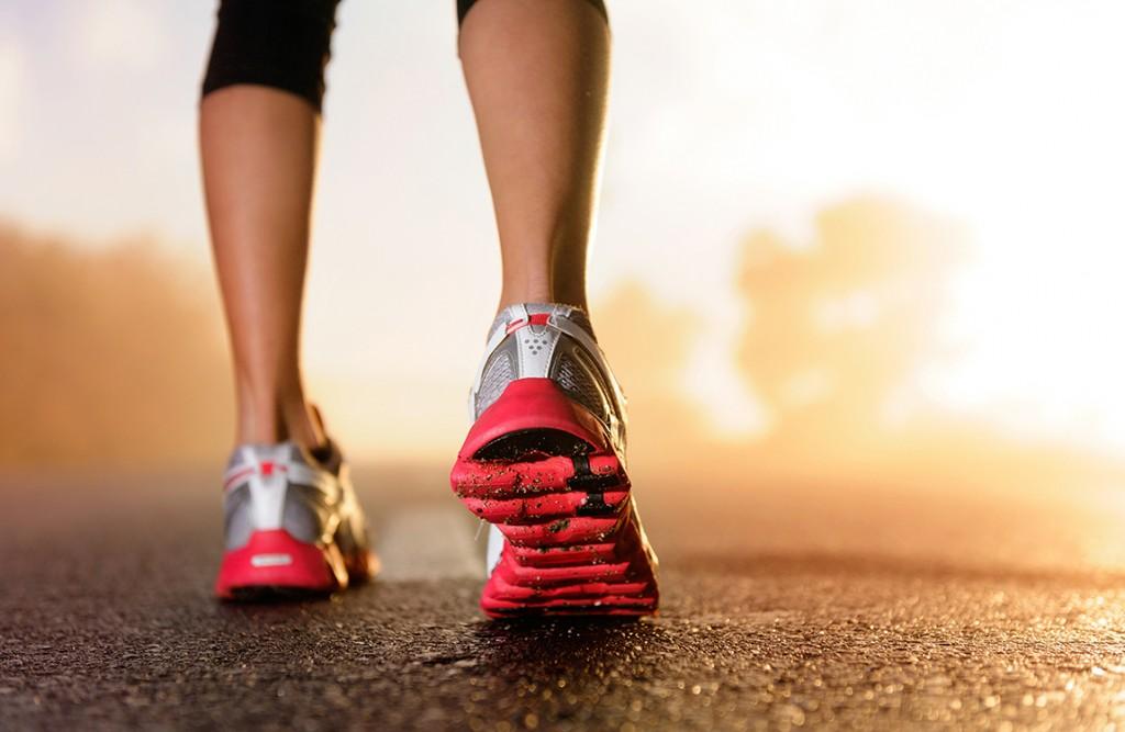 Consultar um ortopedista é fundamental para evitar lesões na corrida. Foto: Reprodução