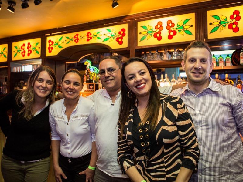 Beatriz Ribeiro, Maria de Lourdes, Paulo Roberto Aleixo, Ivani Piauilino e André Pacheco foram os leitores convidados deste mês. (FOTO: Ricardo D'Angelo)