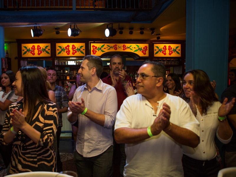 Os leitores de VEJA SÃO PAULO curtiram uma aula de dança latina.  (FOTO: Ricardo D'Angelo)