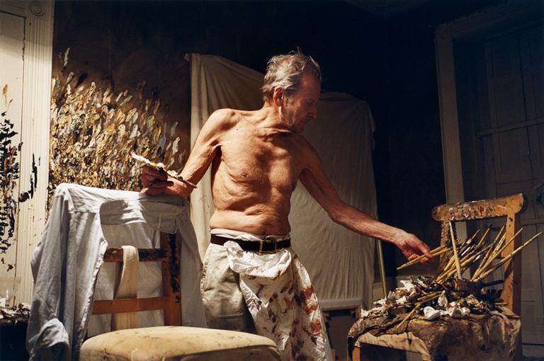 O pintor trabalhando durante a noite, em registro de David Dawson