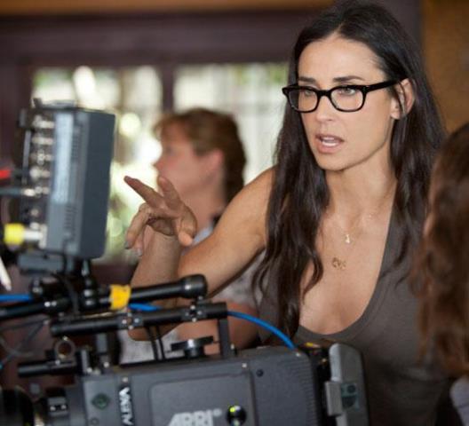 Demi Moore participou do telefilme em episódio Cinco pela Cura