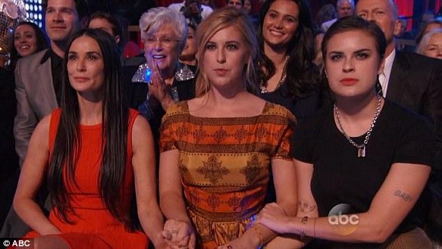 Demi estava acompanhada das filhas Scout e Tallulah