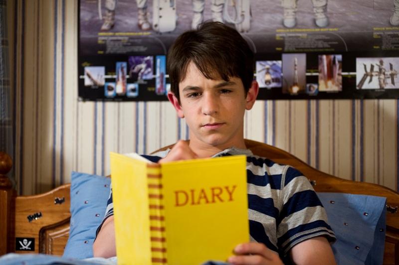 Greg (Zachary Gordon) continua registrando tudo em seu caderninho: Diário de um Banana - Dias de Cão