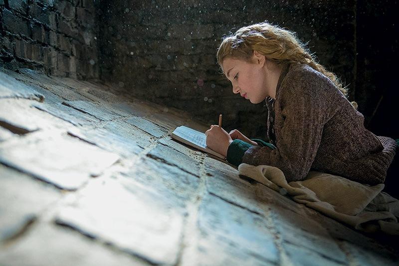 A Menina que Roubava Livros: Sophie Nélisse, uma protagonista insossa