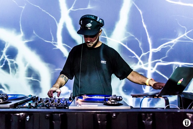 DJ Dubstrong: discotecagem para festa (Foto: Divulgação)