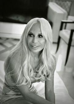Donatella Versace: visita à cidade para lançar coleção (Foto: Divulgação)