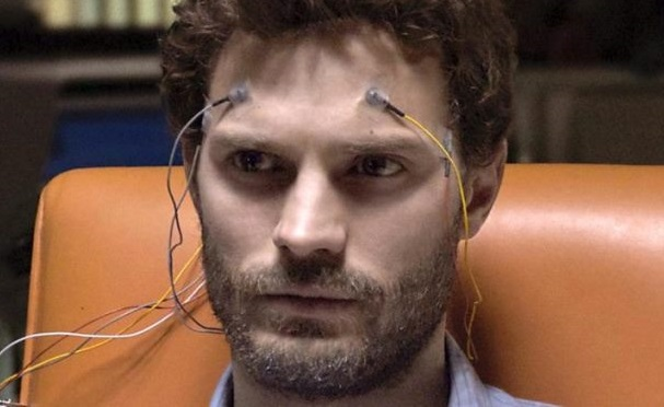 Em 'A Nona Vida de Louis Drax', Dornan interpreta um psiquiatra