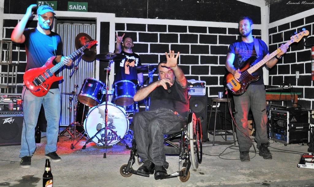 Douglas Paccini: fãs de Iron Maiden emociona banda em show de Belo Horizonte
