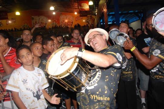 Ensaio da escola de samba Vai-Vai